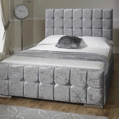Classy Silver Bed and Sheets